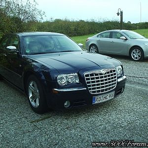 Chrysler 300C Hemi V8 and Opel Insignia winterwheels