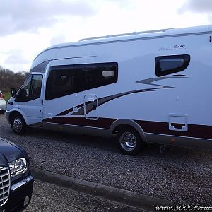Chrysler 300c HEMI V8 and Motorhome Siesta Exclusive